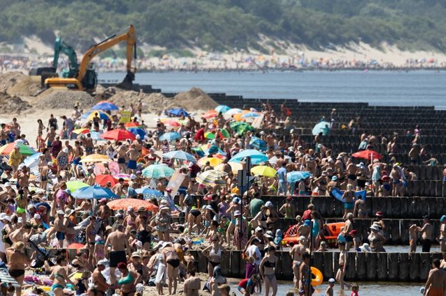 Из-за потока туристов увеличилась нагрузка на инфраструктуру.