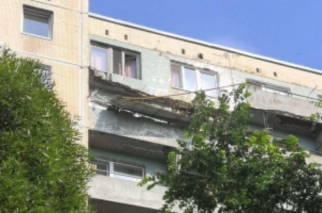 10 июля под Выборгом рухнули два балкона.