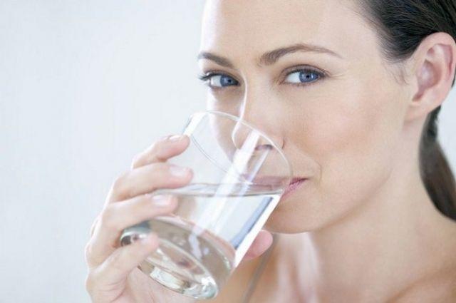 Ученые рассказали, как правильно пить воду.