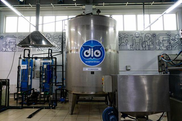 Завод по производству чистой питьевой воды находится в «чистой» зоне Новосибирска на улице Тимакова.