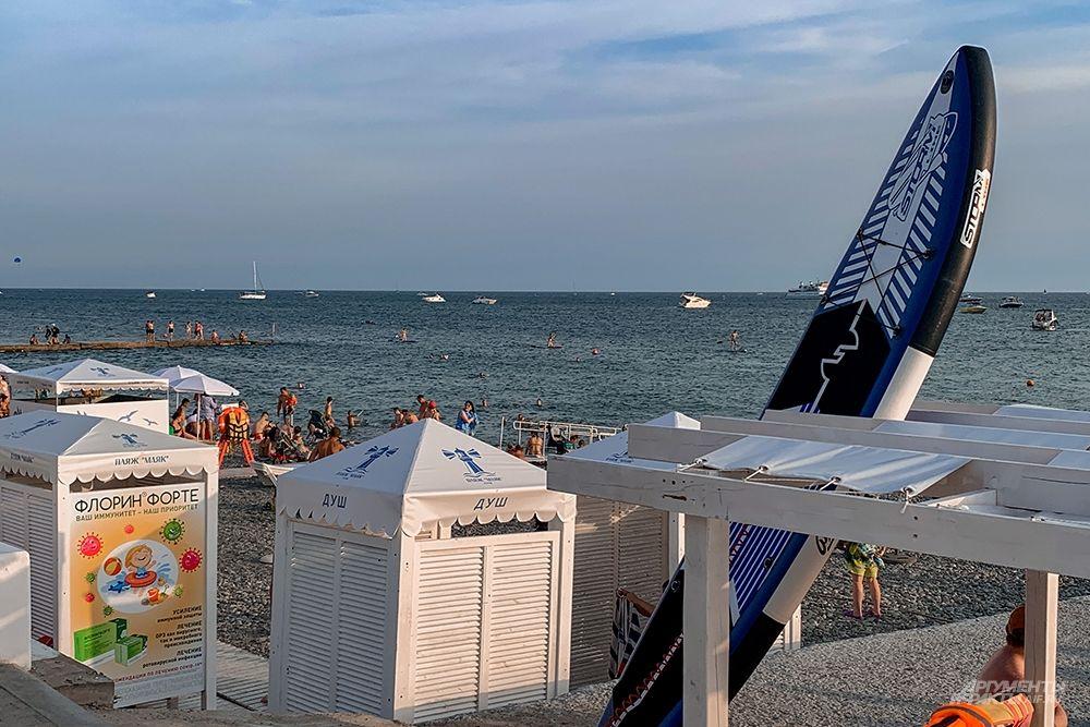 Для любителей активного морского отдыха пляжи предлагают большой выбор водной техники.
