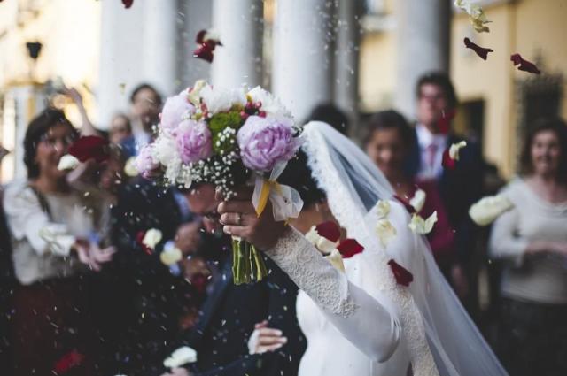 Спрос на организацию свадеб вырос вдвое.