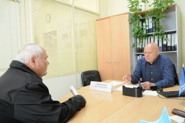 Депутаты гордумы помогают тюменцам с их вопросами