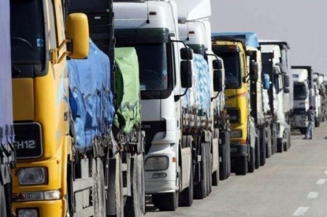 В Киеве снова запретили въезд тяжеловесному транспорту.