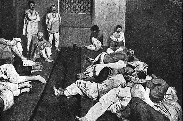 Камера для вытрезвления в Петербурге при полицейском участке, 1914 г.