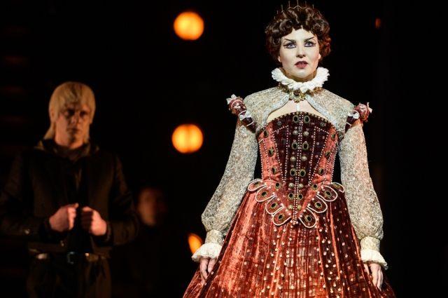 Приз зрительских симпатий достался Наталье Красиловой за роль Елизаветы.
