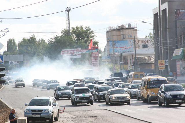 Пробки всегда были проблемой миллионного города, но этот год особенно тяжелый.