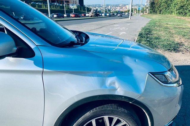 В Уфе автомобилист сбил подростка на электросамокате