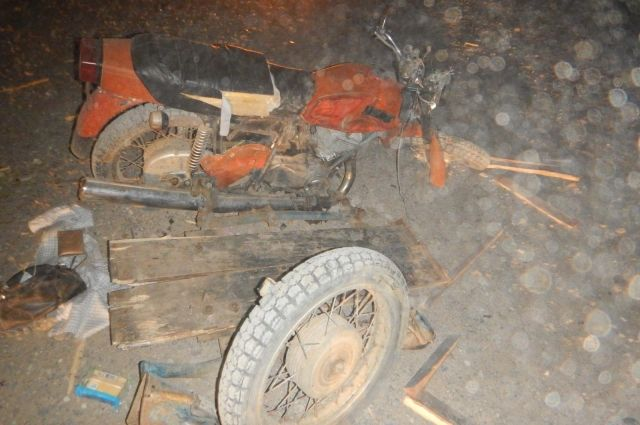 Молодая девушка погибла при столкновении мотоцикла с грузовиком в Удмуртии