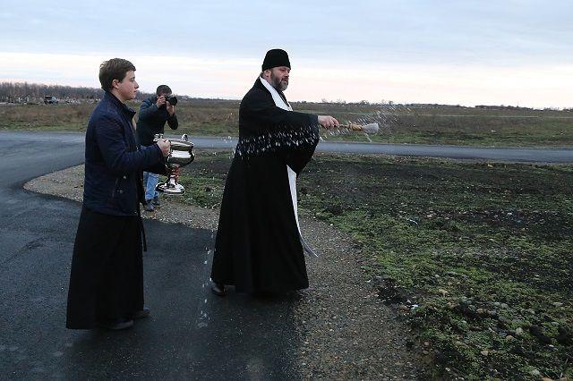 Новейшее кладбище Ставрополя открыли и освятили только четыре года назад, но места на нём уже кончаются.