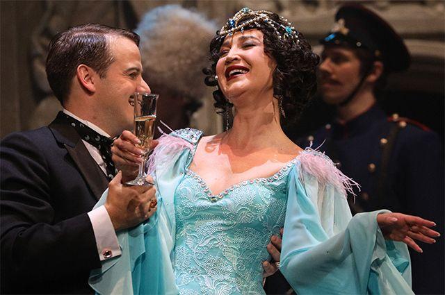 Пьесу о жизни молодого Иосифа Сталина «Чудесный грузин», в которой одну из ролей сыграла Ольга Бузова, в театральном обществе встретили в штыки.