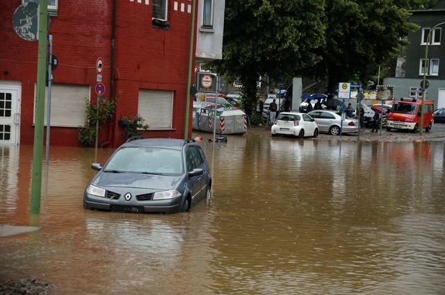 Люди утонули в постелях. Германия пережила наводнение, похожее на войну