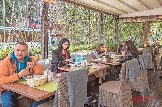 Летние кафе и рестораны будут работать дольше.