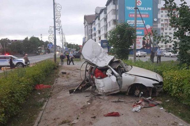 По свидетельствам очевидцев, водителя буквально разорвало на части.