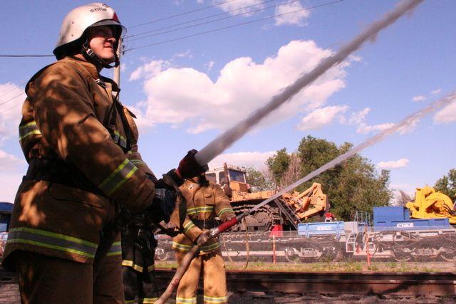 Караул пожарной части всегда готов к тушению крупных очагов возгорания