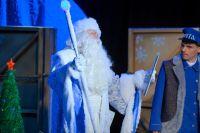 Зимний волшебник пришёл к омским детям летом.