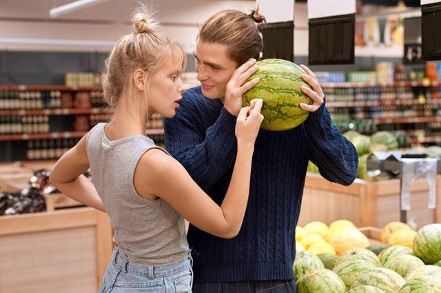 В гипермаркете арбузы дешевле и выбор больше, чем на развалах.