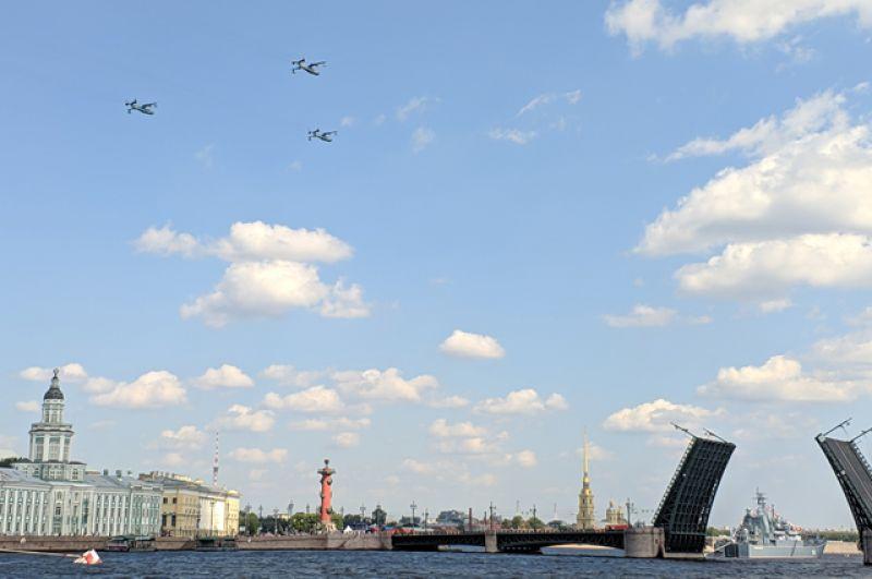 18 июля 2021 года в Санкт-Петербурге прошла первая сводная репетиция главного парада ВМФ.