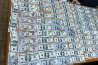 Чиновника Геокадастра уличили во взятке в размере 10 тысяч долларов