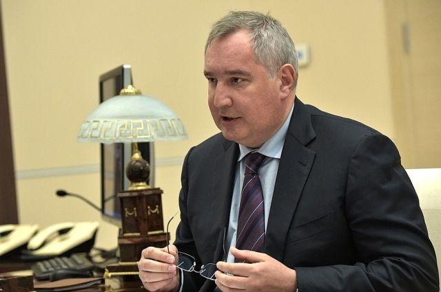 Роскосмос планирует запустить собственное производство скафандров