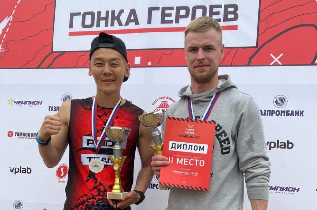 Сергей Парфирьев и Александр Квак заняли 2 место в категориях AGE 18−29 и 40+.