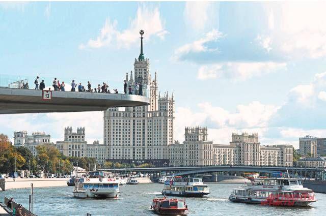 На Москве-реке хватит места и для прогулочной, и для регулярной навигации. Единственное, чего пока не хватает, – причалов и инфраструктуры вокруг них.