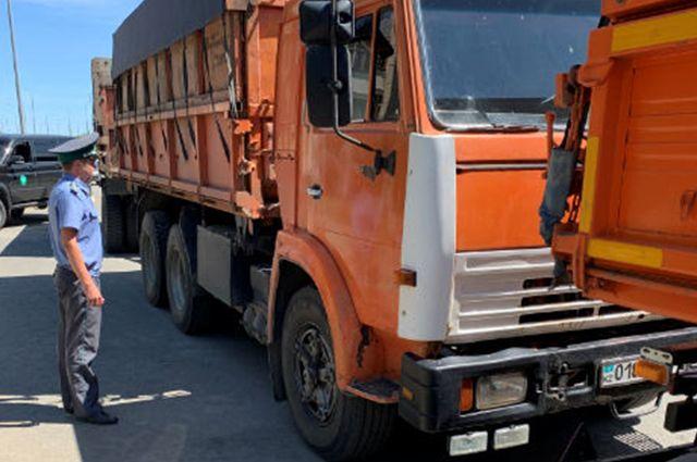 В Оренбуржье пресекли попытки вывоза в Казахстан 174 тонн пшеницы.