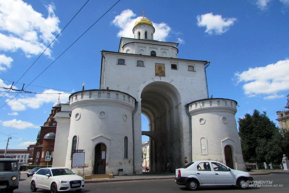 Золотые ворота - памятник военно-инженерного и архитектурного искусства Древней Руси во Владимире.
