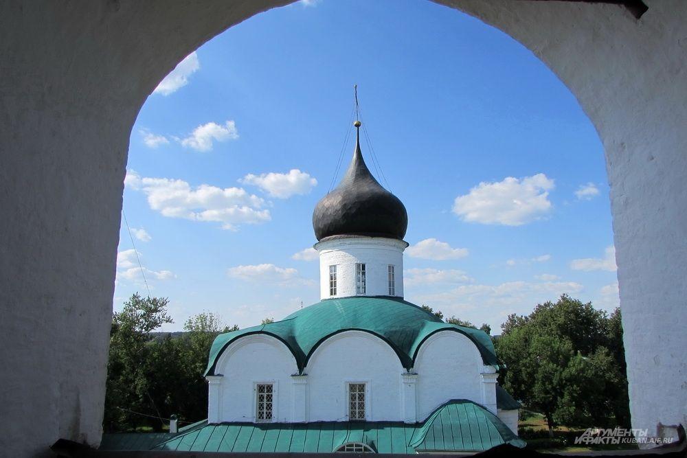 Троицкая церковь в Александровской слободе.