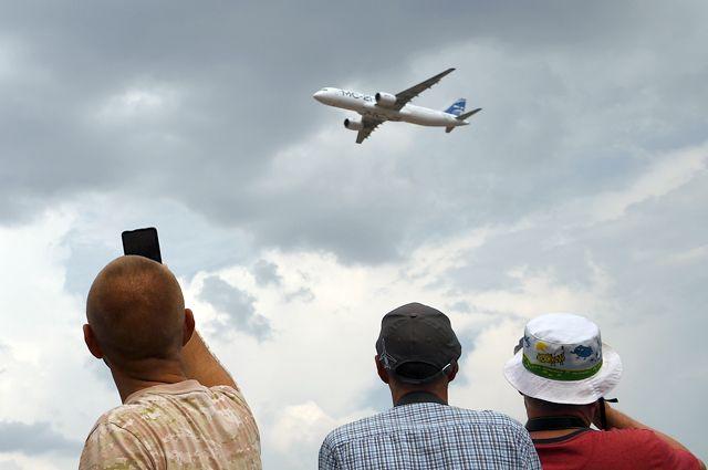 Демонстрационный полет МС-21-300 на открытия Международного авиационно-космического салона МАКС-2021.