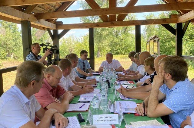 В администрации национального парка «Бузулукский бор» прошел круглый стол, посвященный вопросам обеспечения противопожарной безопасности на территории парка.