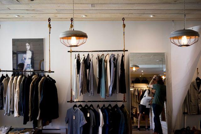 В Минпромторге заявили, что рост цен на одежду может составить 3-5%