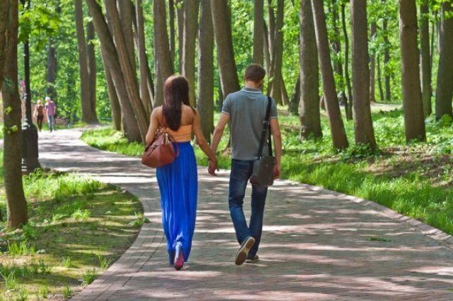 Ученые рассказали, что происходит с телом во время прогулки.