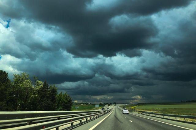 23 июля днём местами по краю возможен очень сильный дождь.