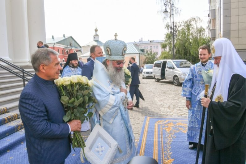 Патриарх Московский и Всея Руси Кирилл прибыл на освящение храма.