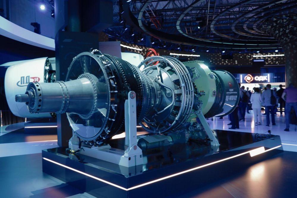 Полноразмерный макет двигателя промышленного назначения ПД-14ГП-1/-2, разрабатываемого в Перми «ОДК-Авиадвигатель».