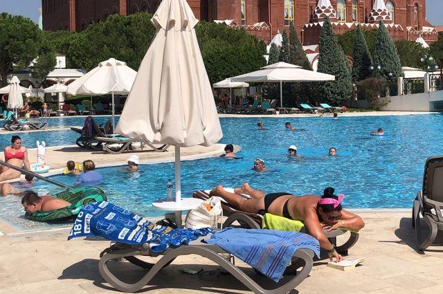 Многие туристы предпочитают Турцию российским курортам.