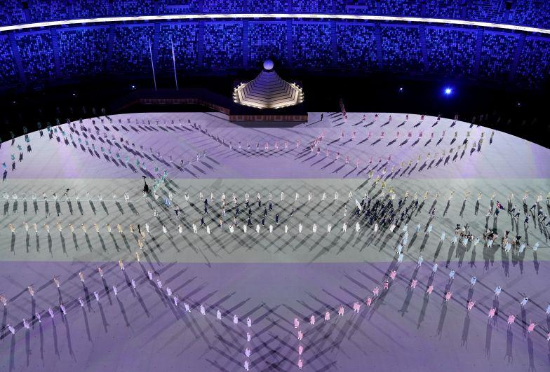 Парад атлетов на Национальном олимпийском стадионе