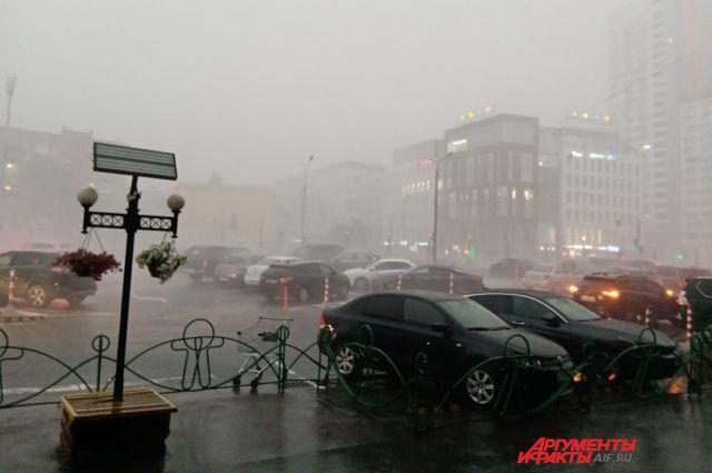 В регионе шли дожди различной интенсивности: от небольшого до сильного.