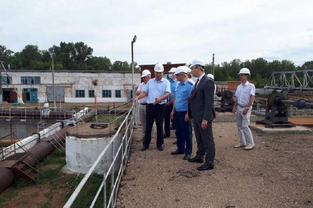 Прокурор Руслан Медведев поручил установить экопост в районе нефтяного предприятия в Бузулуке.