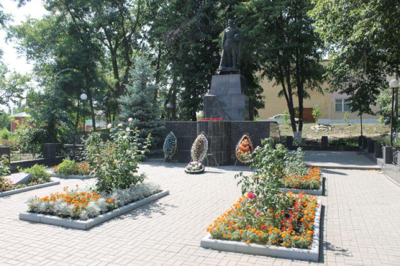 По словам краеведов, в войну этих местах погибли многие тысячи человек