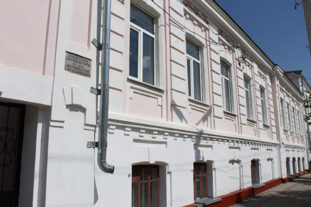 Бывшая учительская семинария — памятник архитектуры конца XIX века