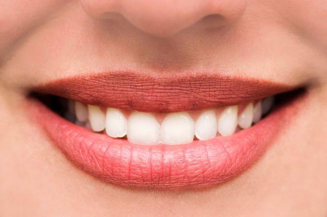 От семечек и нервов. Почему могут появляться травмы зубов