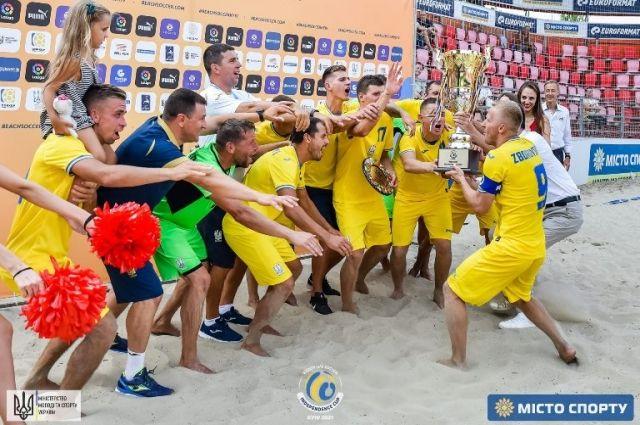 Пляжный футбол: сборная Украины стала чемпионом Кубка-Независимости-2021