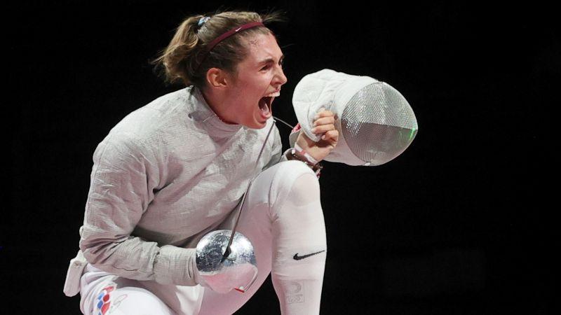 Саблистка София Позднякова завоевала золото на Олимпиаде в Токио