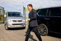 Евгений Куйвашев призвал мэров отдать часть автомобилей администраций медучреждениям.