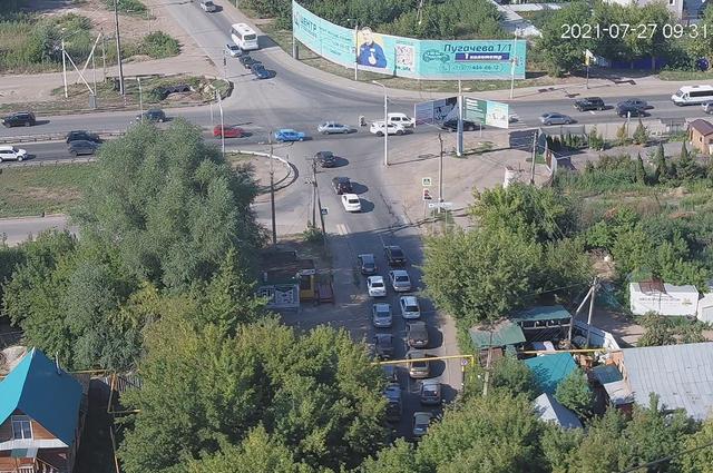 Так выглядит пересечение Бородинской и Пугачева утром 27 июля
