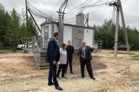 Объект посетили глава города Владимир Степура и директор АО «ЮТЭК-Региональные сети» Максим Медведев