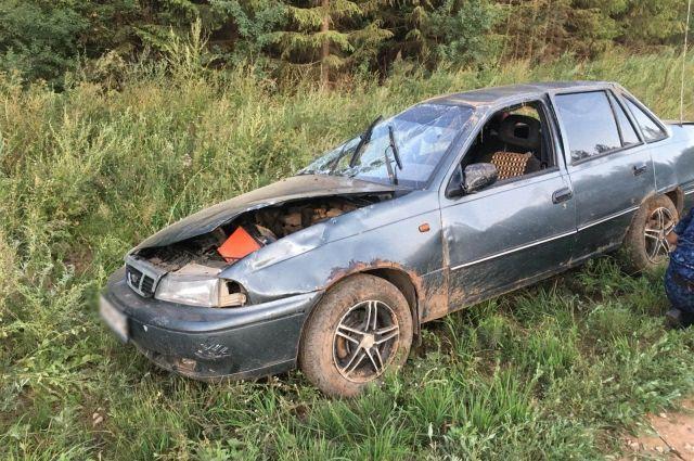 В результате пострадали пассажиры: 41-летний  мужчина и двое детей, семи и трёх лет.