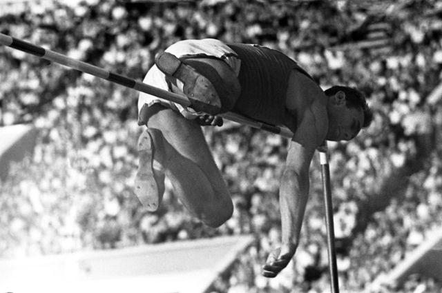 В те времена, когда лёгкая атлетика собирала полные стадионы, Валерия Брумеля знали миллионы. Сегодня 97% не знают ни одного члена нашей олимпийской сборной.